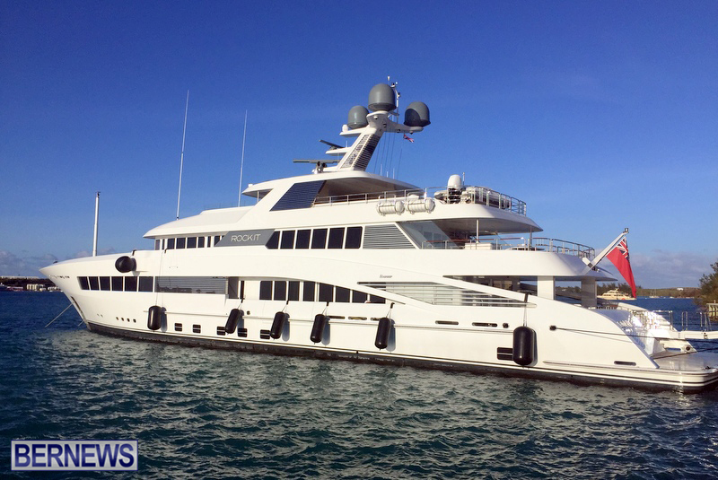 superyachts-in-bermuda-for-slider-23