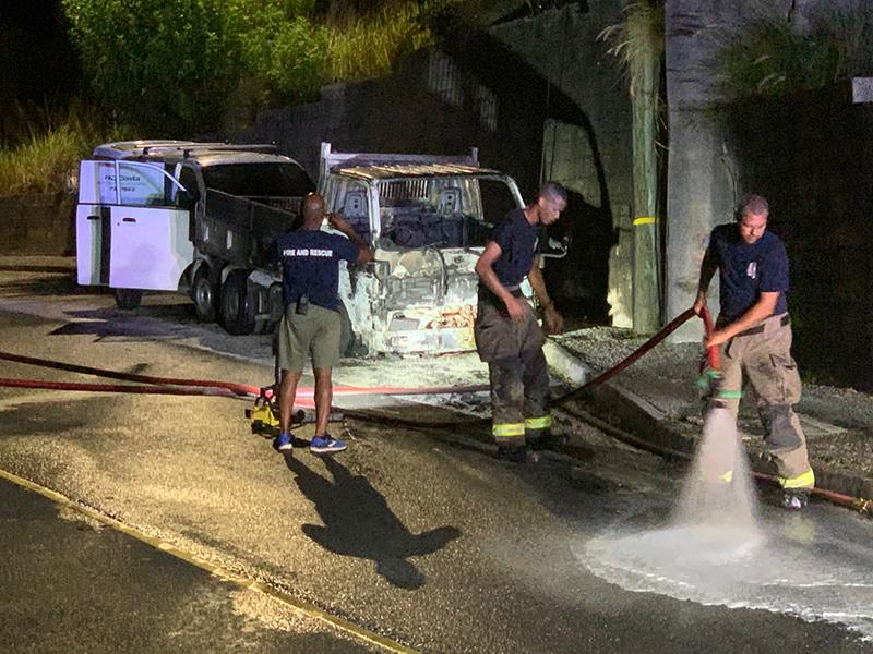 Car Fire Bermuda Aug 7 2020 (4)