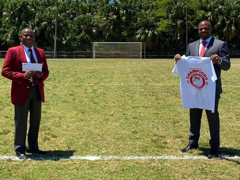 Minister Hayward Donates To NVCC Bermuda 5