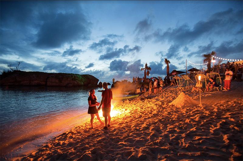 Sunset Happy Hour Bonfires At Tobacco Bay Bermuda Aug 2020 3