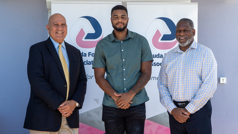 Dante Leverock Receives Legends Scholarship Bermuda Sept 2020