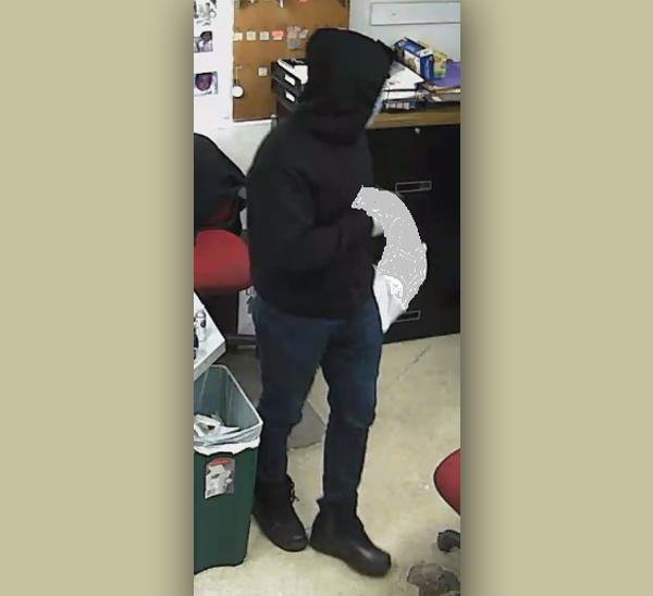 Armed robbery suspect Bermuda Nov 2020 (1)