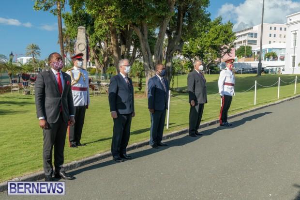DF wreaths laid War Memorial Bermuda 2020 (2)