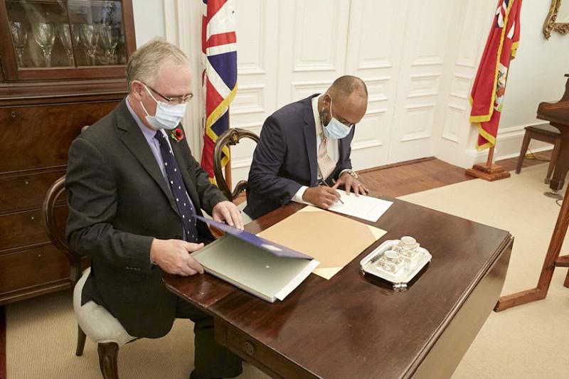 Dr Ernest Peets Sworn In As Minister Bermuda Nov 9 2020 (2)