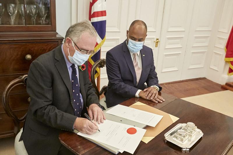 Dr Ernest Peets Sworn In As Minister Bermuda Nov 9 2020 (3)