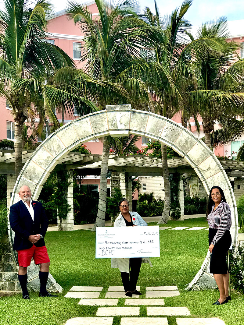 Hamilton Princess Donates To BCHC Bermuda Nov 2020 22