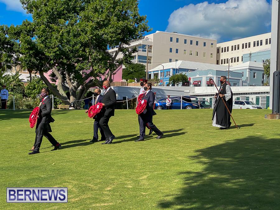 JM-Remembrance-Day-Bermuda-2020-ceremony-wreaths-11