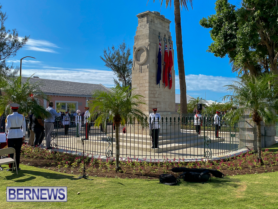 JM-Remembrance-Day-Bermuda-2020-ceremony-wreaths-12