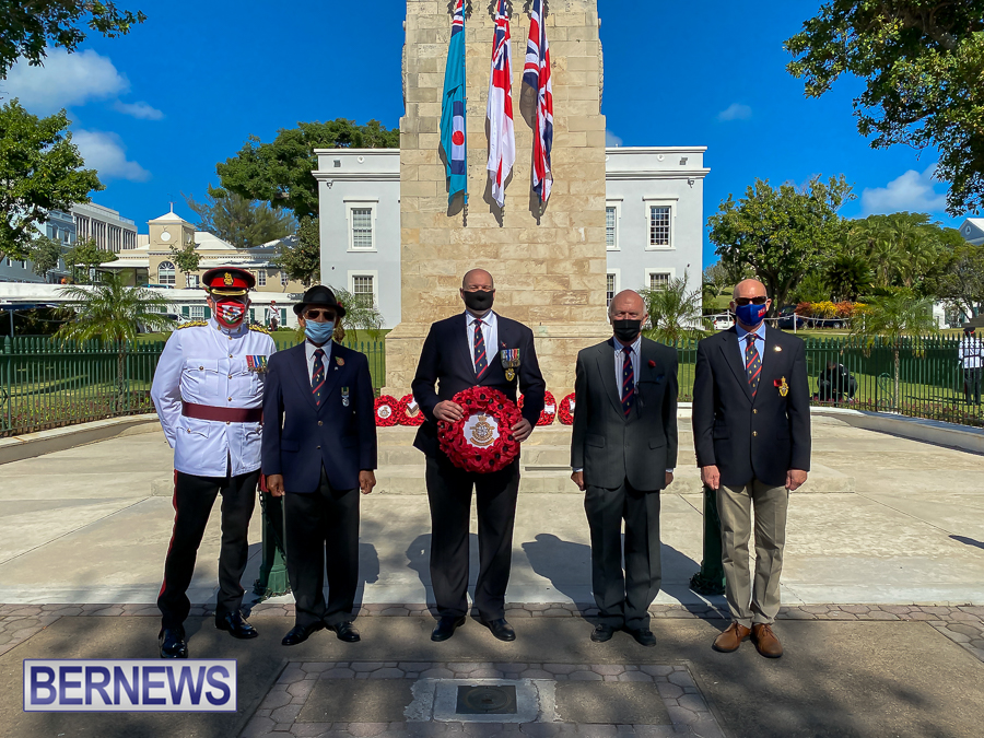 JM-Remembrance-Day-Bermuda-2020-ceremony-wreaths-15