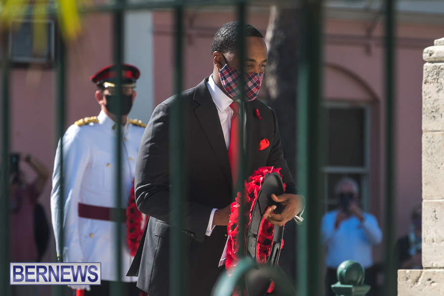 JM-Remembrance-Day-Bermuda-2020-ceremony-wreaths-38
