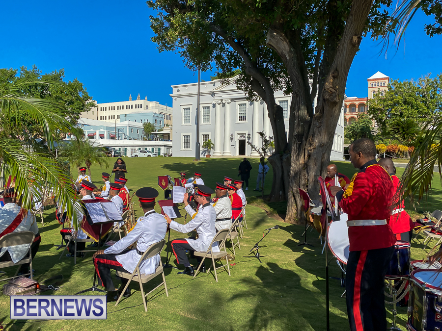 JM-Remembrance-Day-Bermuda-2020-ceremony-wreaths-8