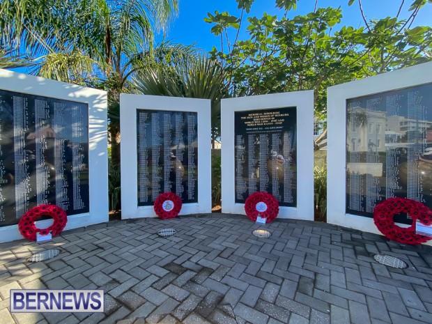 JM wreaths at Bermuda War Memorial in Hamilton 2020 Remembrance Day (13)