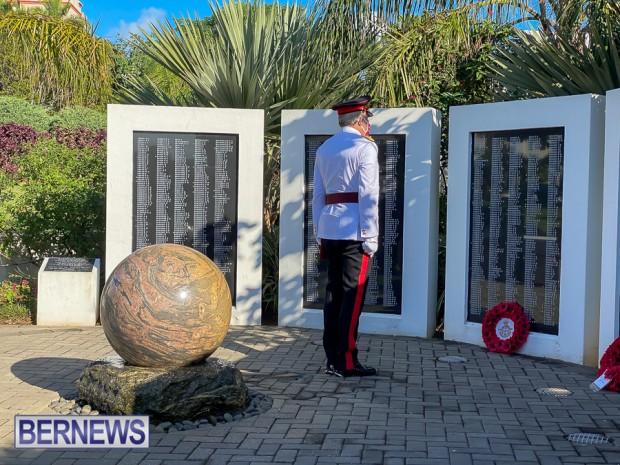 JM wreaths at Bermuda War Memorial in Hamilton 2020 Remembrance Day (5)