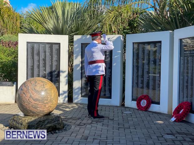 JM wreaths at Bermuda War Memorial in Hamilton 2020 Remembrance Day (6)