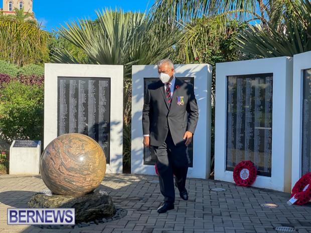 JM wreaths at Bermuda War Memorial in Hamilton 2020 Remembrance Day (8)