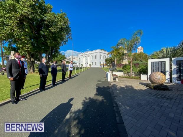 JM wreaths at Bermuda War Memorial in Hamilton 2020 Remembrance Day (9)