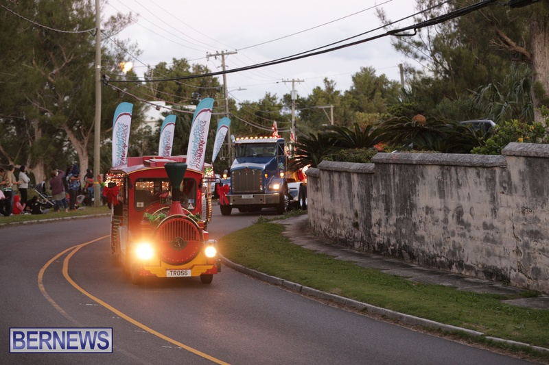 MarketPlace Driving Christmas Parade Nov 29 2020 Bermuda (12)