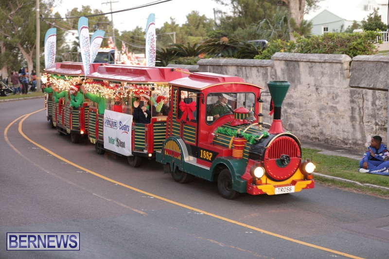 MarketPlace Driving Christmas Parade Nov 29 2020 Bermuda (13)