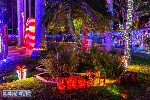 Bermuda St Georges Somers Garden Christmas Wonderland lights display 2020 holiday JS (8)