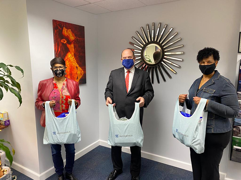 Butterfield Employees Donates Holiday Hampers Bermuda Dec 2020 1