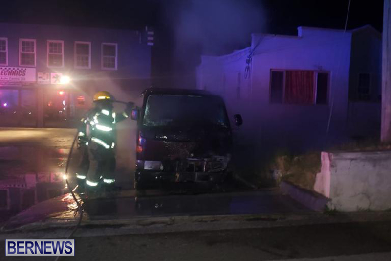 Fire at Curving Avenue Bermuda Dec 14 2020 (2)