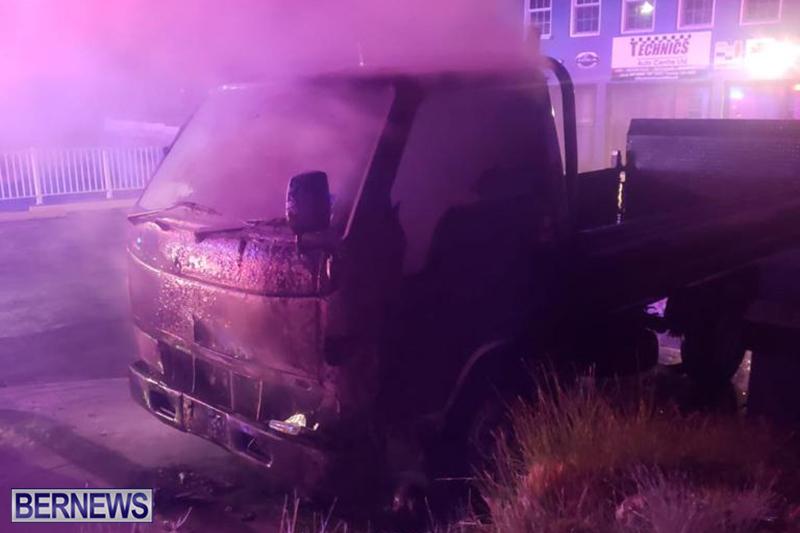 Fire at Curving Avenue Bermuda Dec 14 2020 (3)