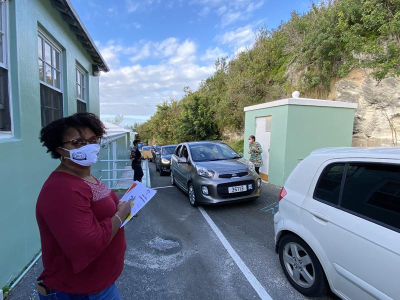 Francis Patton Primary Christmas Drive Through Bermuda Dec 2020 (3)
