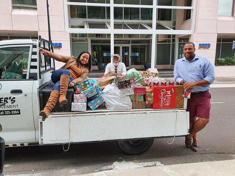 Marsh & Guy Carpenter Donate To BBBS Bermuda Dec 2020 2