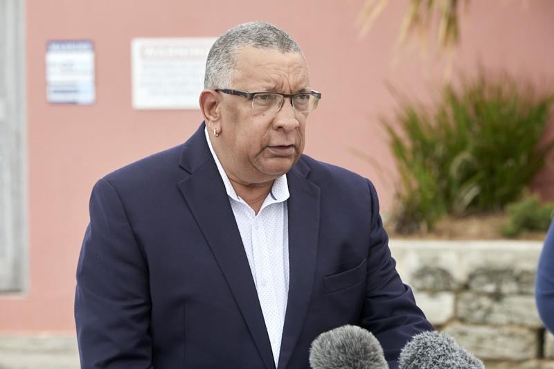 Minister David Burch press conference Bermuda Dec 2020 (1)