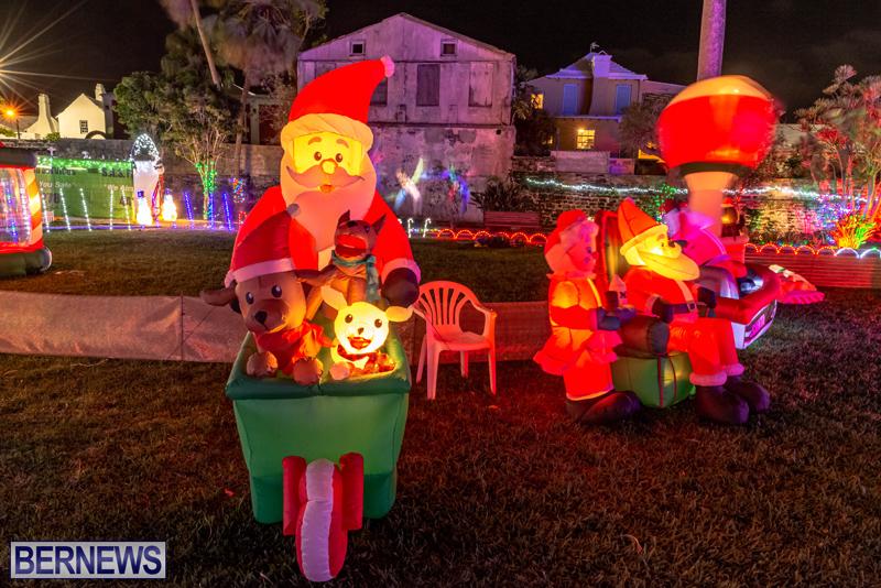 Somers Garden Christmas Lights Bermuda Dec 2020 (5)