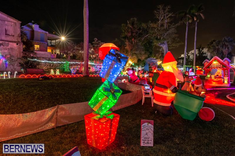 Somers Garden Christmas Lights Bermuda Dec 2020 (6)