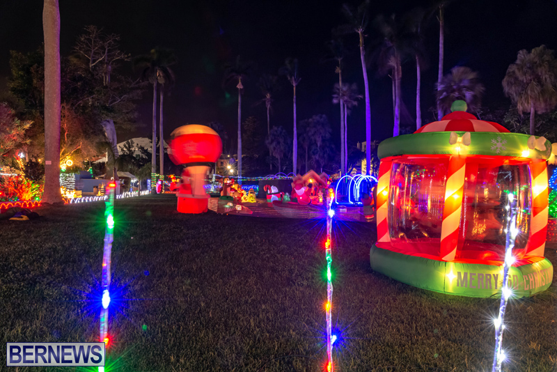 Somers Garden Christmas Lights Bermuda Dec 2020 (7)