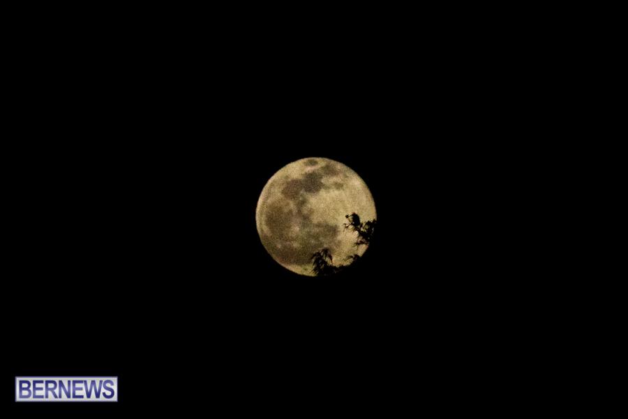 Bermuda Full Moon in winter storm January 28 2021 (1)