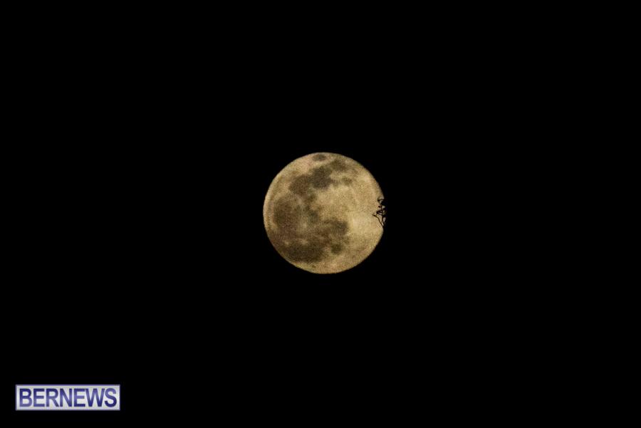 Bermuda Full Moon in winter storm January 28 2021 (2)