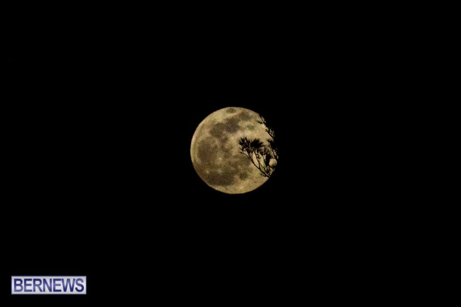 Bermuda Full Moon in winter storm January 28 2021 (3)