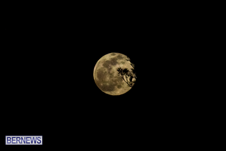 Bermuda Full Moon in winter storm January 28 2021 (4)