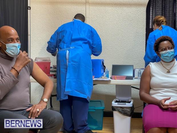 Bermuda officials get first coronavirus vaccine Jan 11 2021 (3)