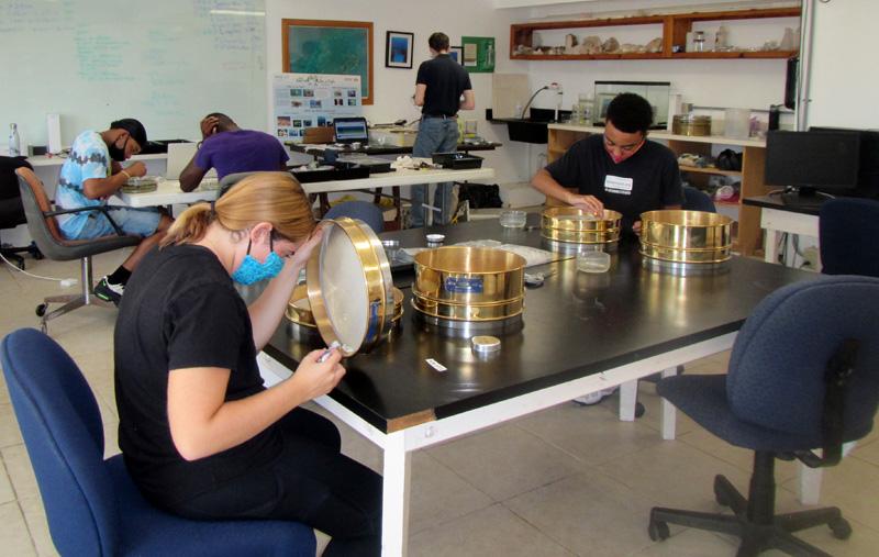 Microplastics lab Bermuda Feb 2020 (1)