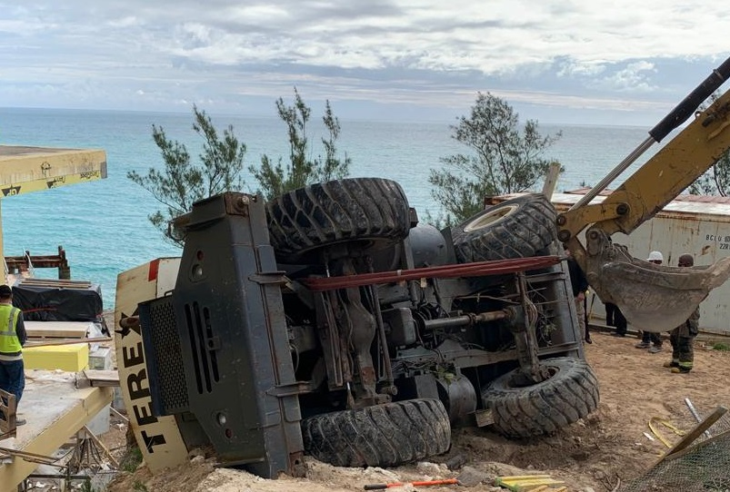 Overturned Crane At Regis Hotel Bermud March 2021 1