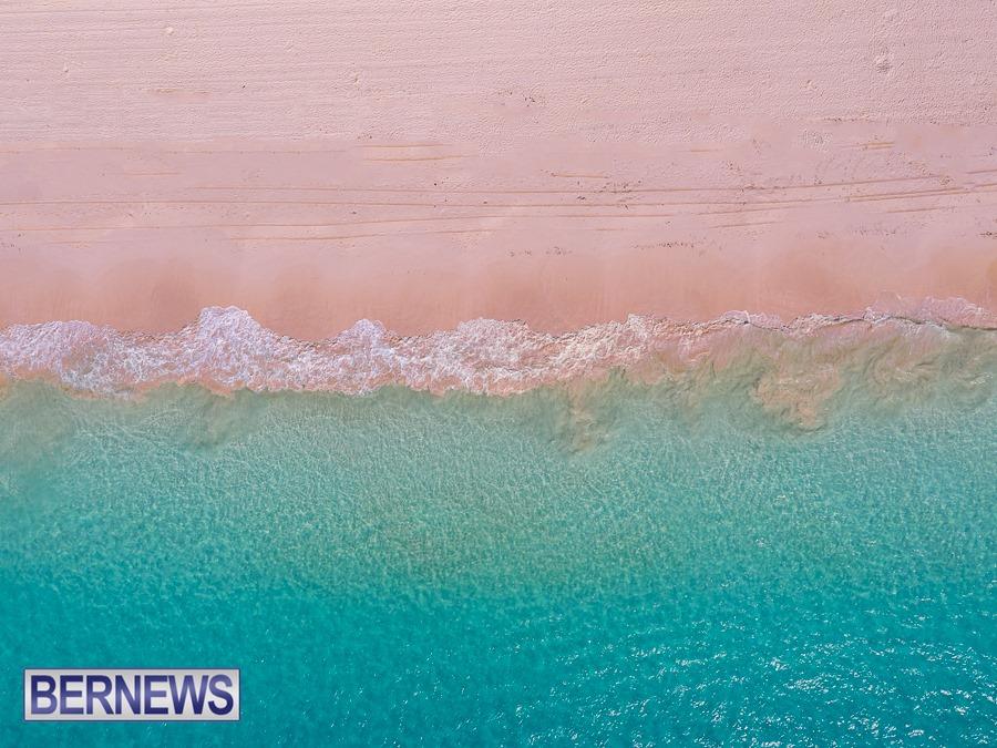 393 - Amazing colour of a Bermuda pink sand beach