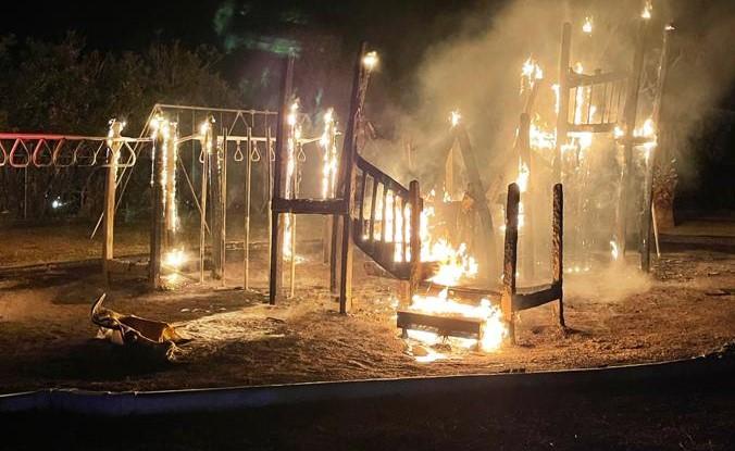 Fire Bermuda Playground April 10 2021  (2)