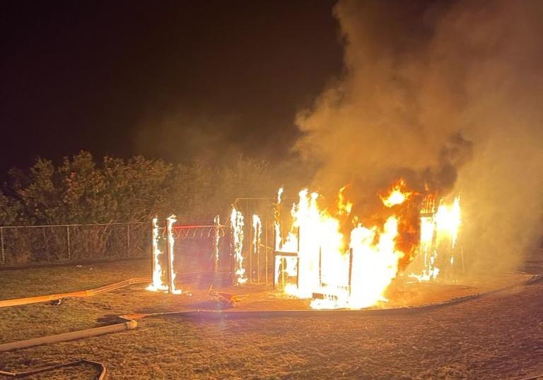 Fire Bermuda Playground April 10 2021  (3)