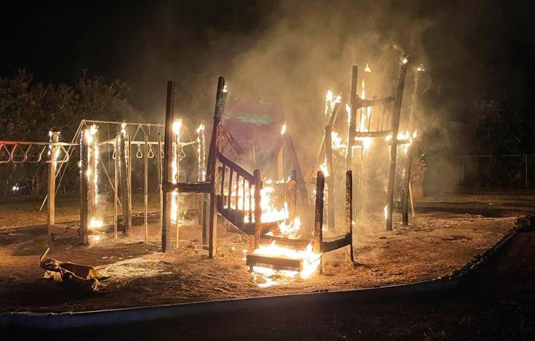 Fire Bermuda Playground April 10 2021  (4)