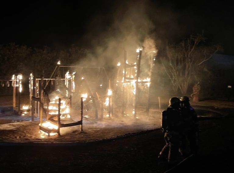 Fire Bermuda Playground April 10 2021  (8)