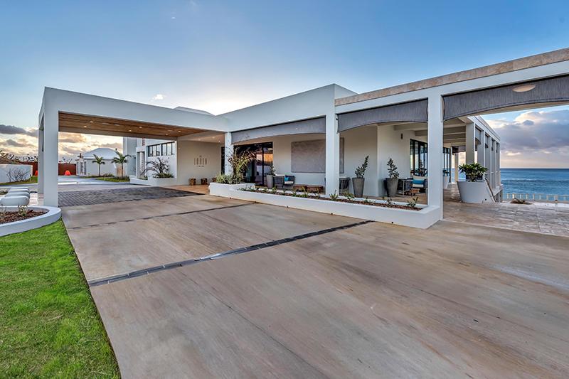 The Loren Exterior Bermuda April 2021