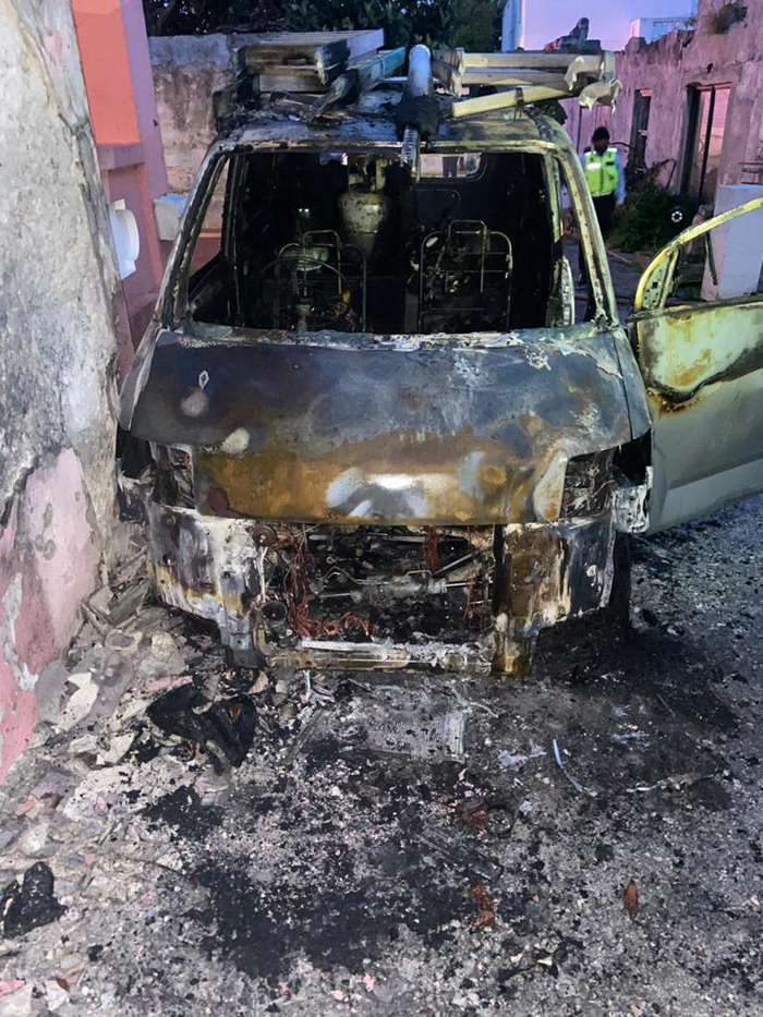 Vehicle Fire Bermuda April 19 2021 (1)