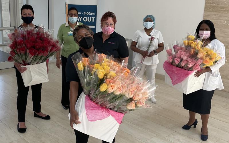 Demco deliver 300 roses Bermuda May 2021