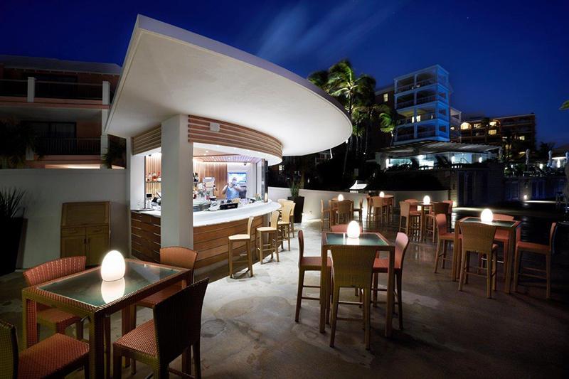 Hamilton Princess Marina Bar Bermuda May 2021 3