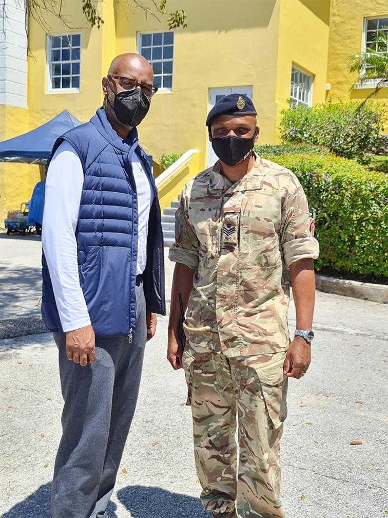 Mobile Vaccination Site Bermuda May 2021 (9)
