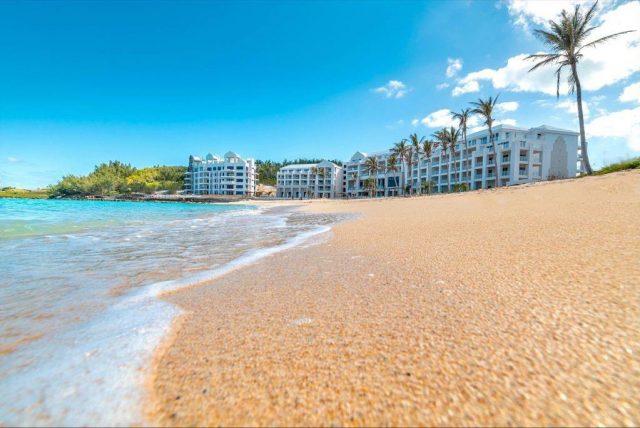 st-regis-bermuda-hotel-resort-beach-st-georges-2021-640x428